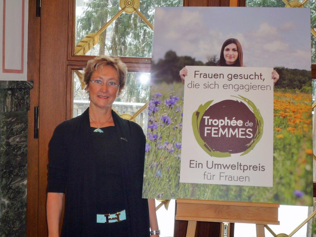 """Pottwalschützerin Andrea Steffen wurde 2012 mit dem """"Trophée de femmes"""" ausgezeichnet."""