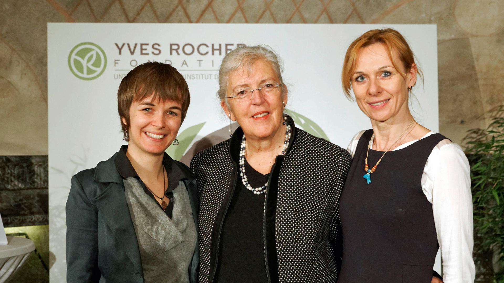 """Die Diplom-Biologin Denise Wenger (rechts) erreichte 2014 den dritten Platz beim """"Trophée de femmes""""für das von ihr ins Leben gerufene Projekt zu Vorkommen und Schutz von Schweinswalen in Elbe, Weser und an der Nordseeküste."""