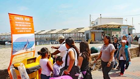 Anti Plastik Kampagne, Paracas, Peru.