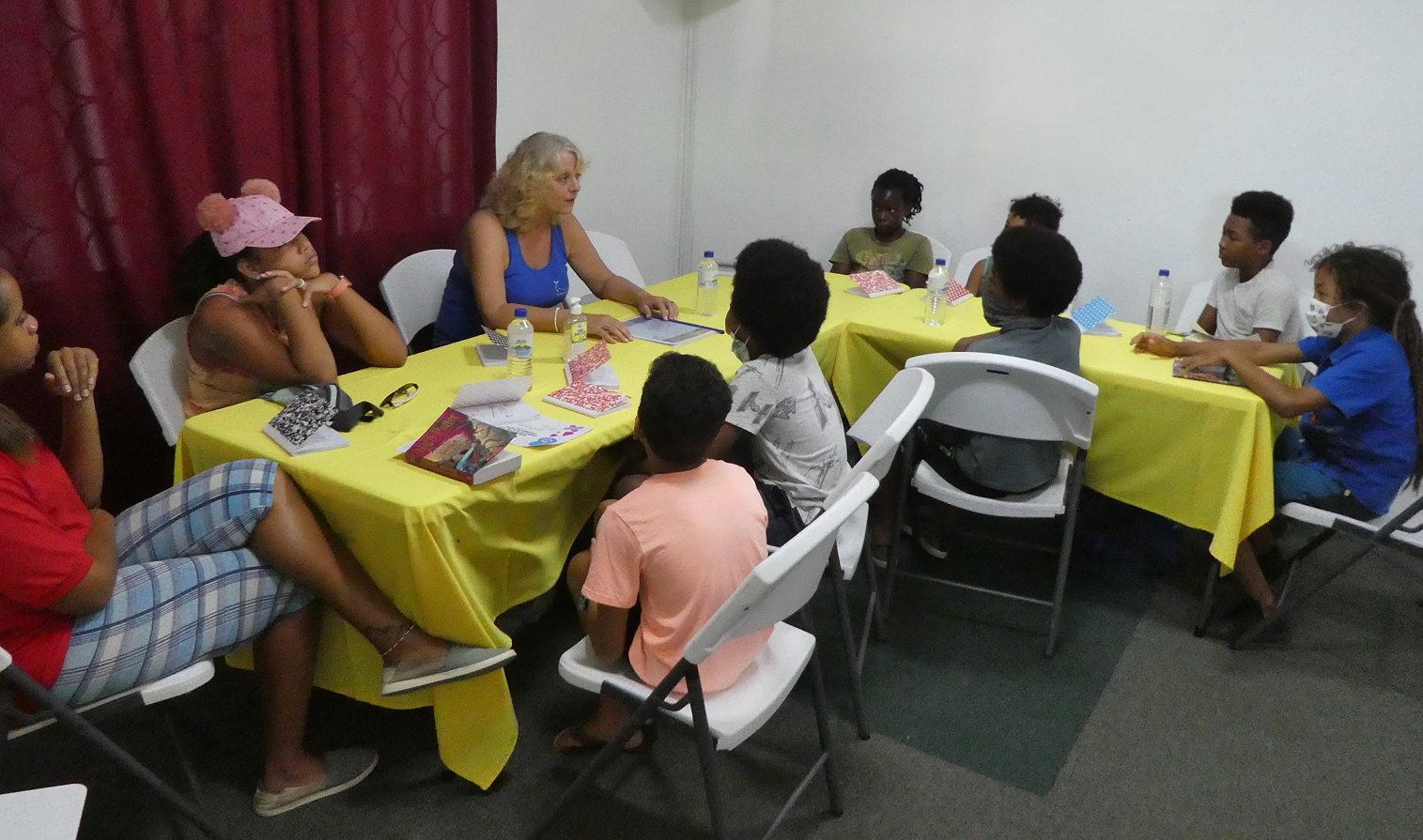 Abtauchender Pottwal beim Pottwal Super-Pod Treffen vor Dominica